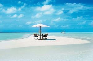 FourSeasons-dining beach