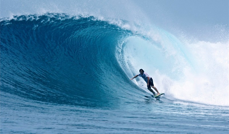 Maldives-surfing